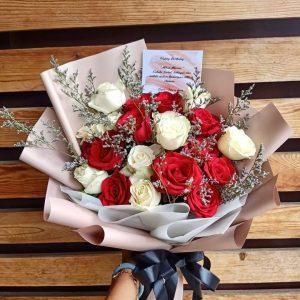 Hand Bouquet HB04