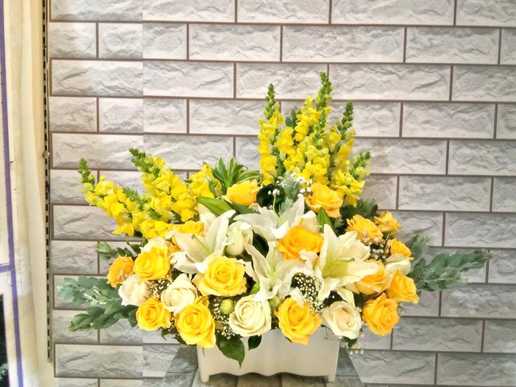Rangkaian Bunga Meja BM04